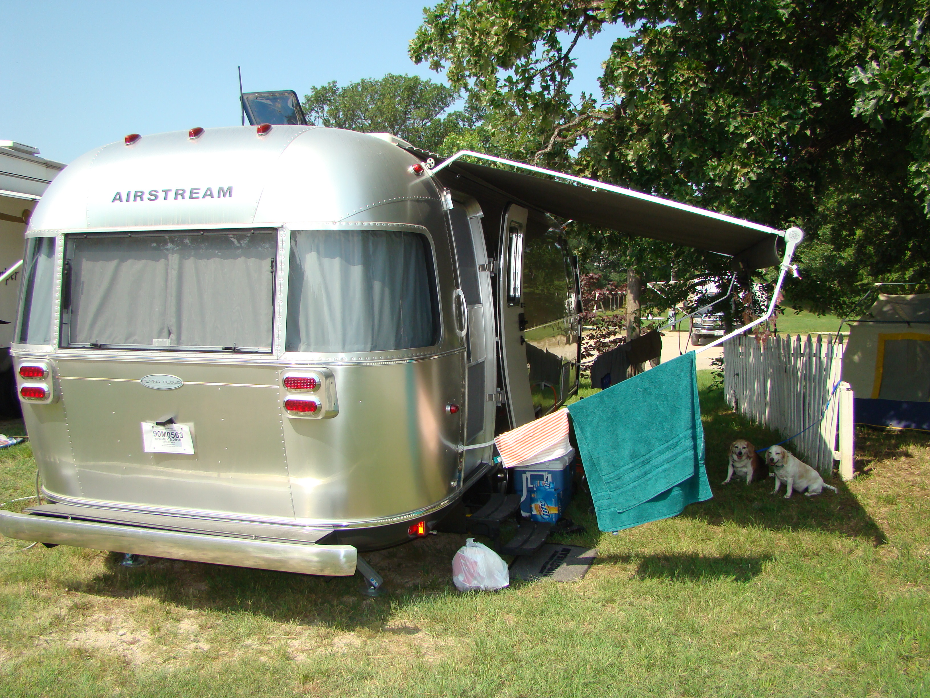 camping in an airstream kelly mcmichael. Black Bedroom Furniture Sets. Home Design Ideas